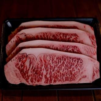 赤崎牛最高級の部位であるサーロインステーキ