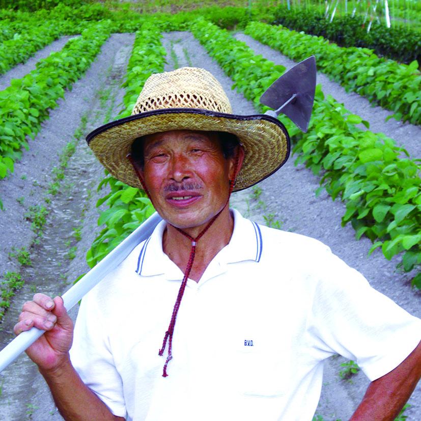 生産者の一人 松本耕二さん。「今年も美味しい丹波黒枝豆をお届けするため、日々の栽培管理に取り組んでいます。」